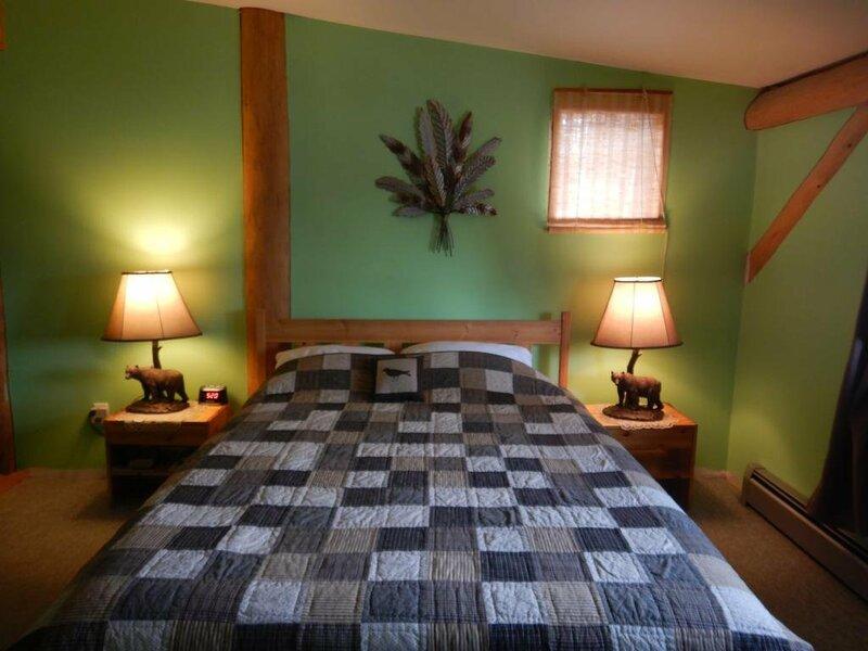 Arctic Divide Inn & Motel