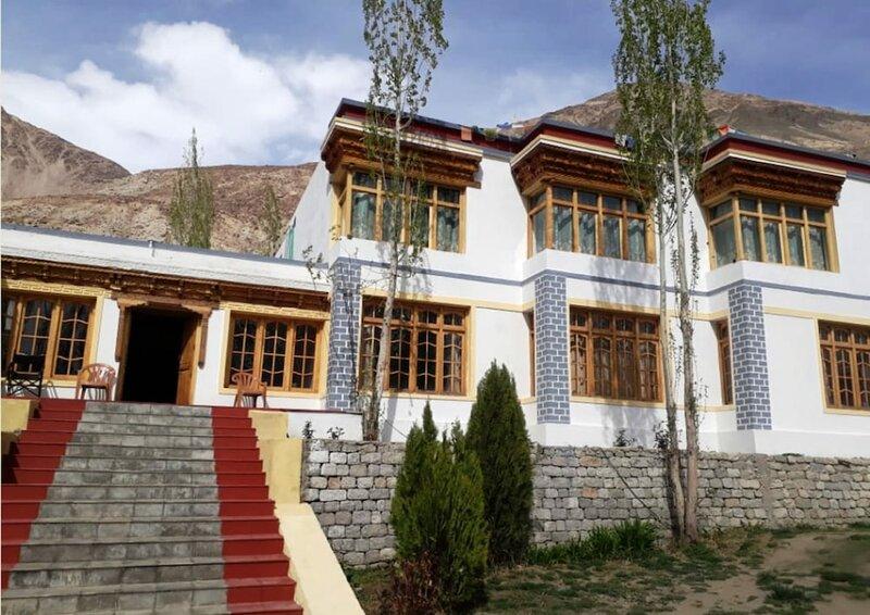 Kailash Mansarovar Home Stay & Guest Hs