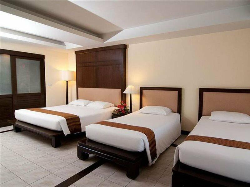 Hotel Royal Bangsak Beach Resort