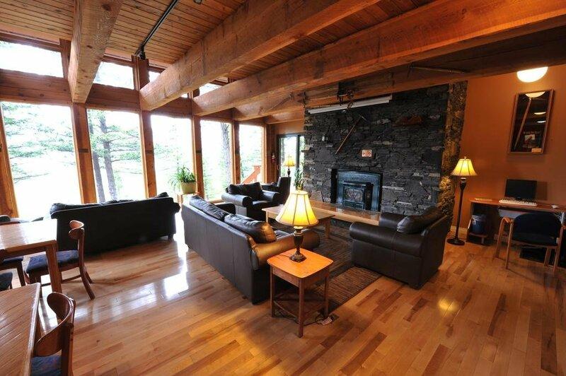 Hi Canmore Hostel Alpine Club Of Canada