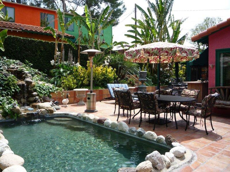 Woodland Hills Calabasas Guest Houses