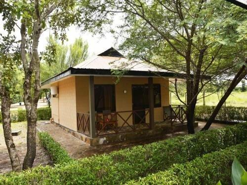 Tan-Swiss Lodge