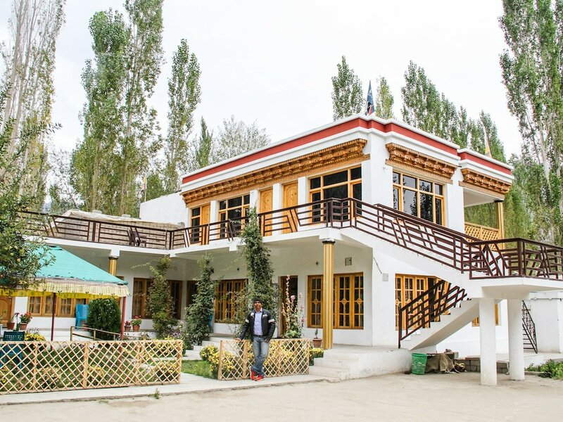 Sha Cho Guest House