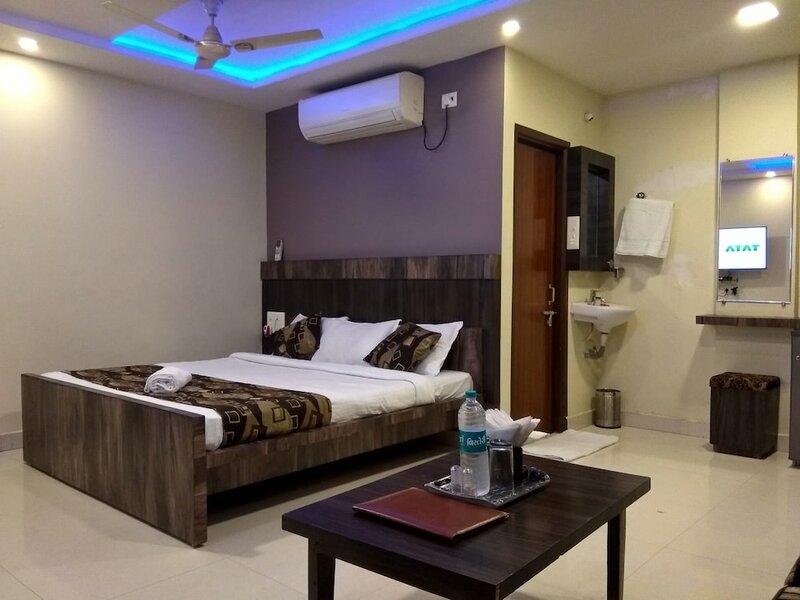 Jk Rooms 128 Hotel Rr