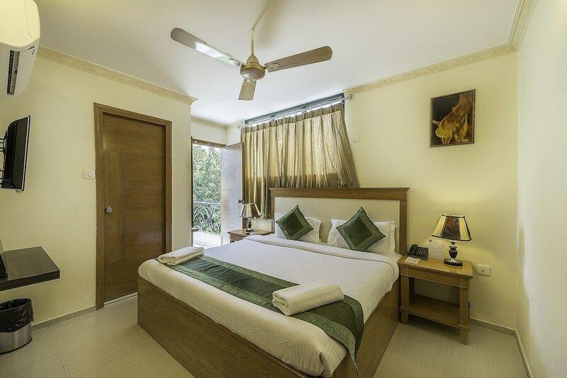 Treebo Trend Woodsvilla Suites Bapu Nagar