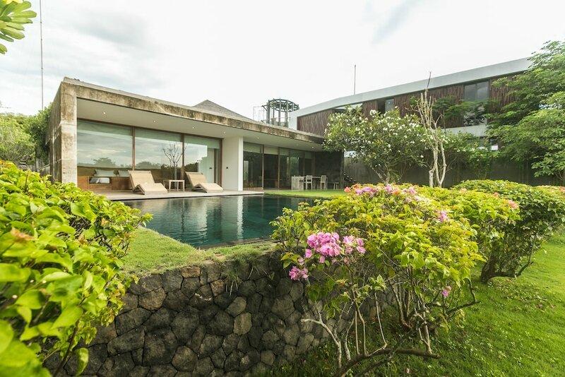 Jimbaran Balangan Beachfront Rooms