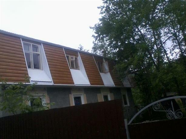 Guest House Lastochkino Gnezdo Burnyy