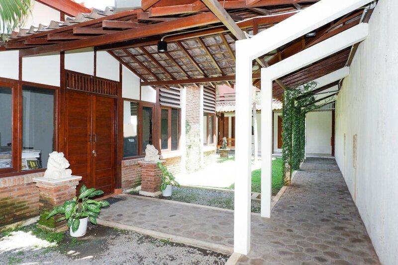 Oyo 422 Achterhuis Guesthouse