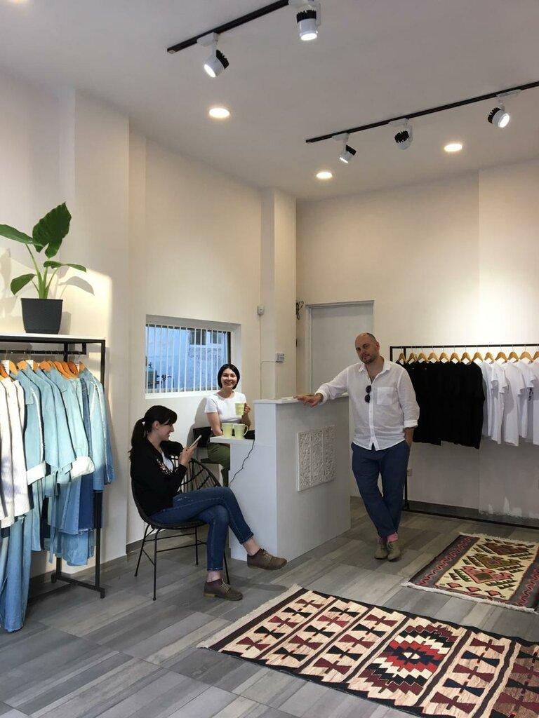 магазин одежды — Yuliko & Friends — Батуми, фото №2
