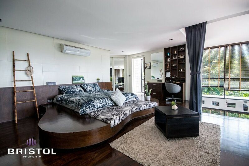 State Of The Art 4 Bedrooms Sea View Pool Villa by Bristol
