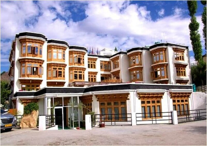 Tih Hotel New Glacier View