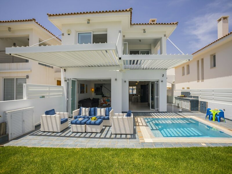 Protaras Seafront Villa Sirina Pearl