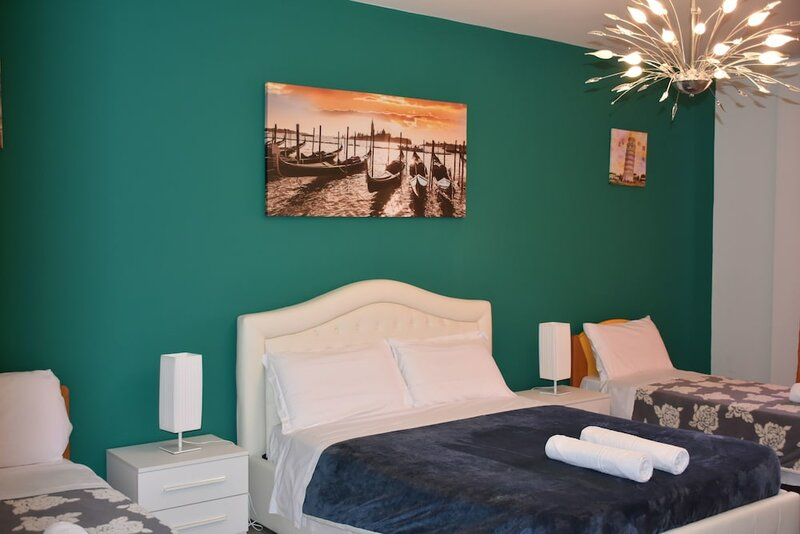 Venice Popular Apartment