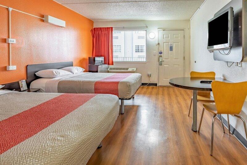 Motel 6 Joliet, Il - I-80