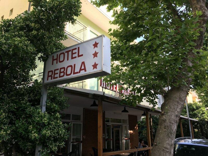 Hotel Rebola
