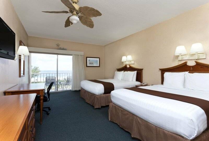 Howard Johnson Resort Hotel by Wyndham St. Pete Beach Fl
