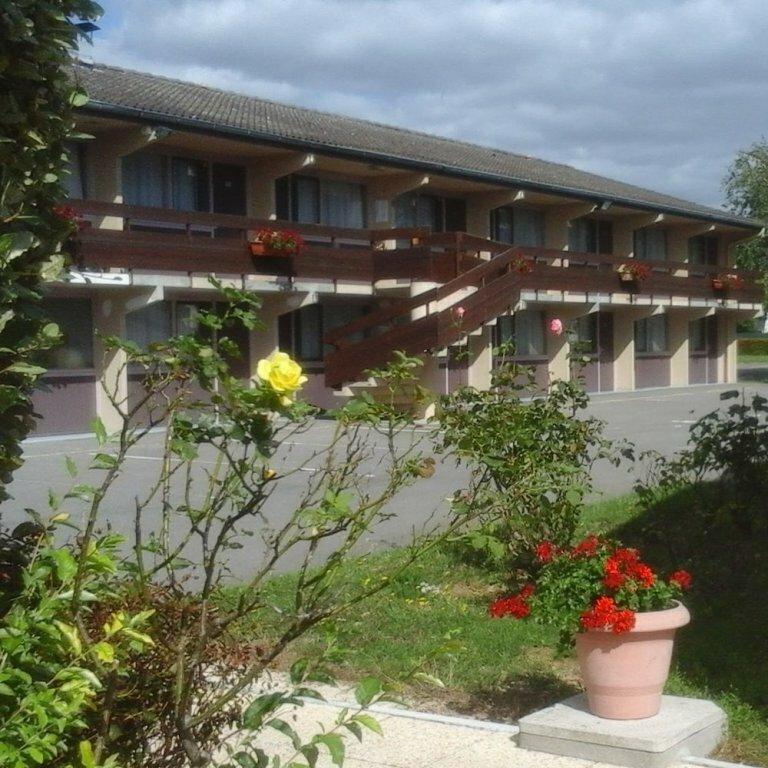 Hôtel Grill Le Coudray-Montceaux