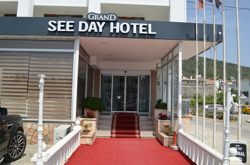 Grand See Day Hotel