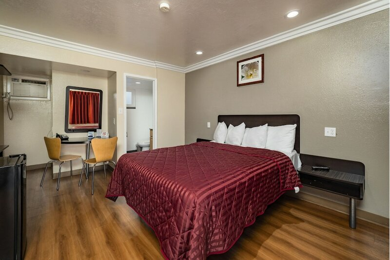 Travelodge by Wyndham Sacramento Convention Center