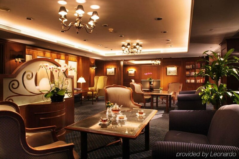 Prince, Marco Polo Hotel