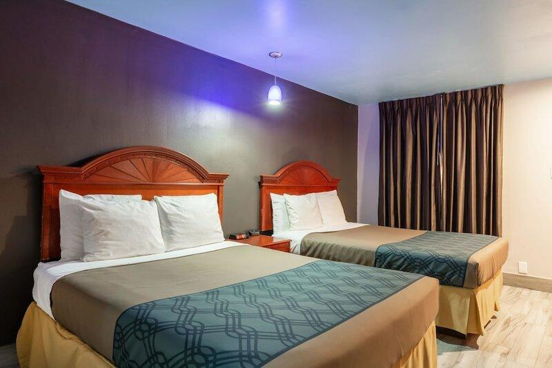 Summit Inn And Suites
