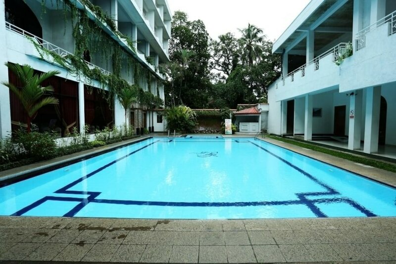 Kandyan Reach Hotel