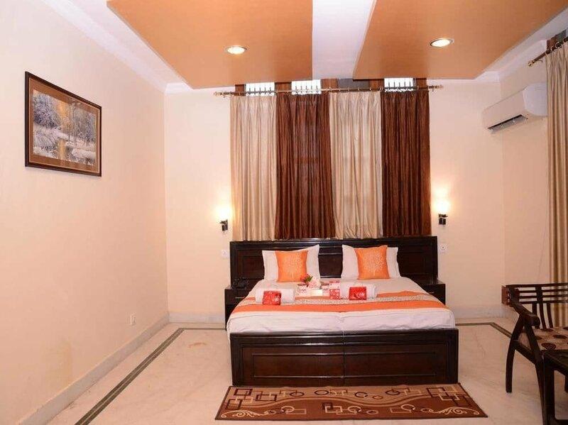 Oyo 2028 Hotel Coral's Inn