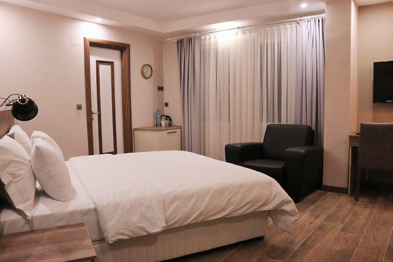 Yanki Hotel