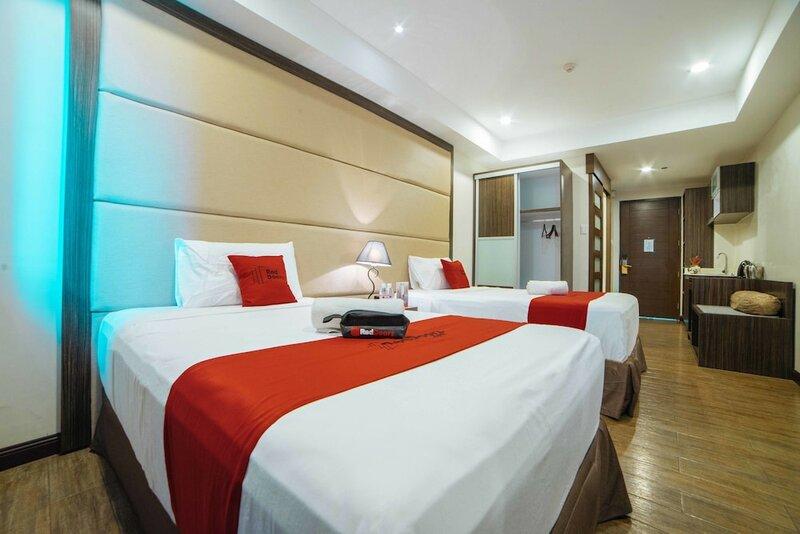 RedDoorz Premium @ West Avenue Quezon City