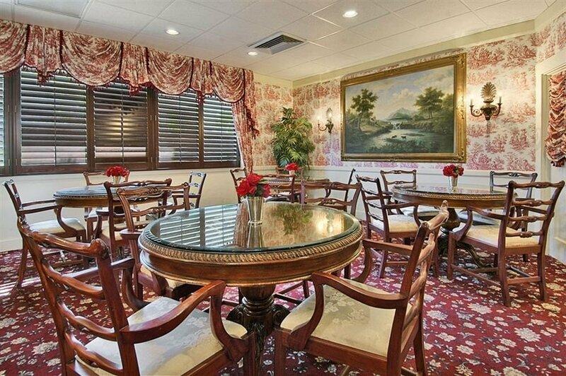 Red Rose Inn & Suites
