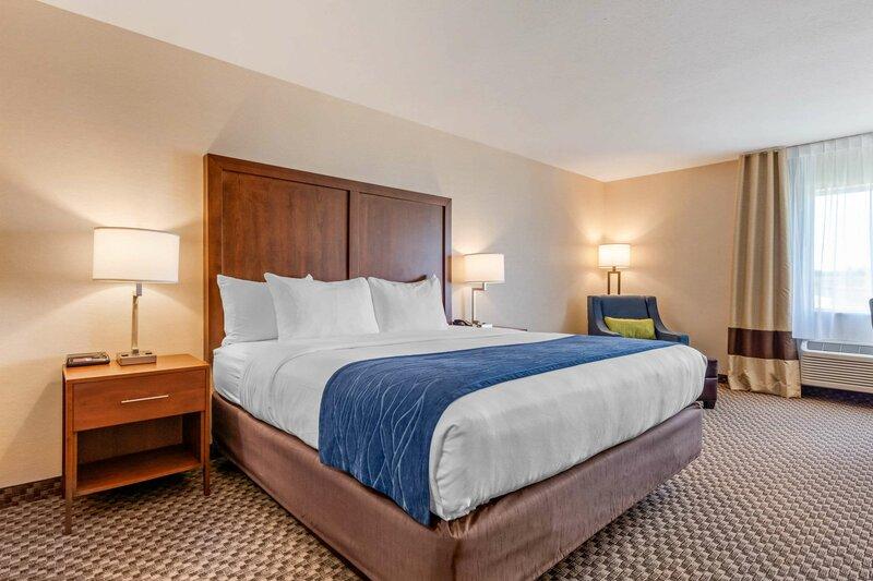 Comfort Inn & Suites near Route 66