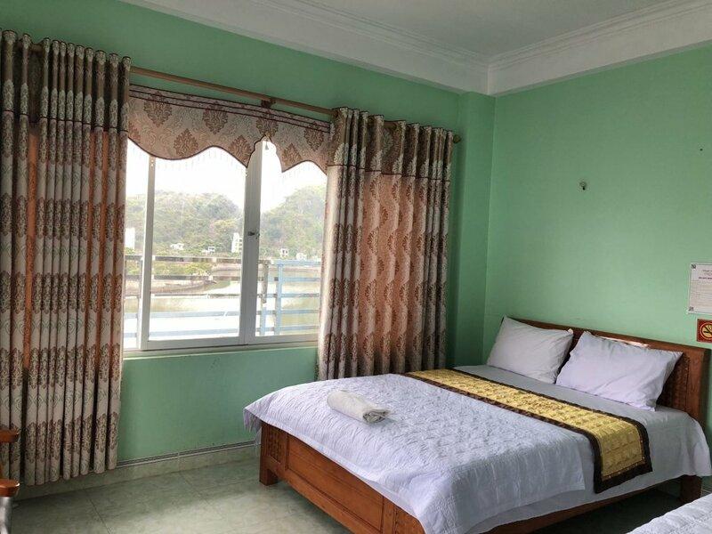 Khanh Huyen Seaview Hotel