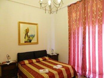 Crispi Rooms