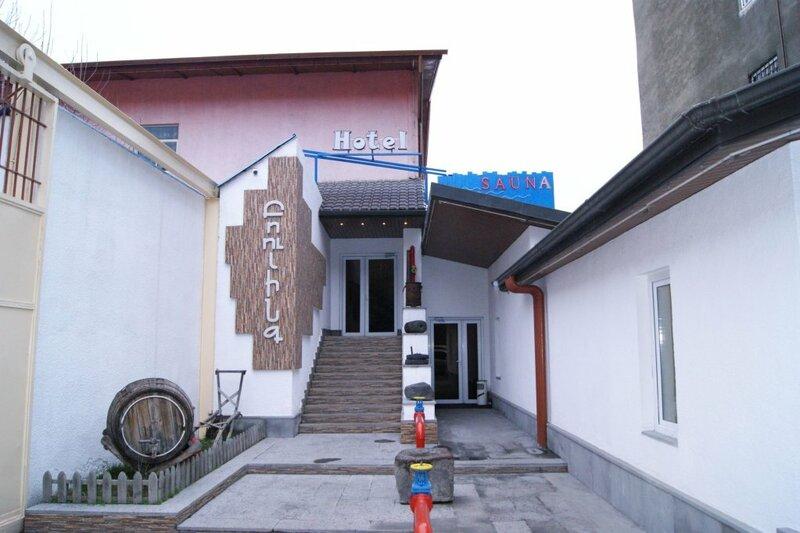 No Problem Hotel at Glinka Street