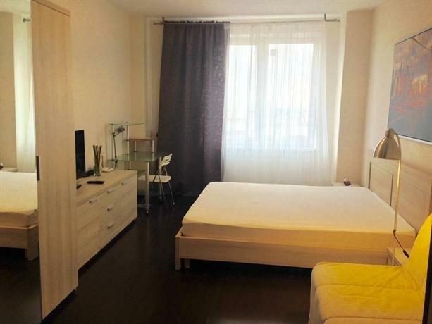 Rooms on Komendantskiy 53