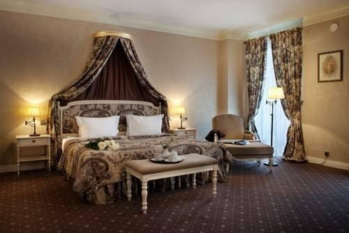 Кронон Парк отель