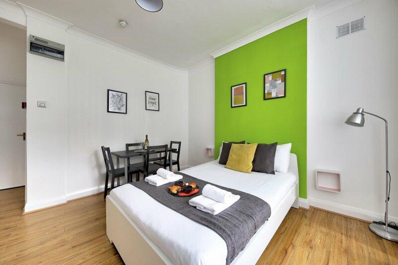 Melrose Aparthotel