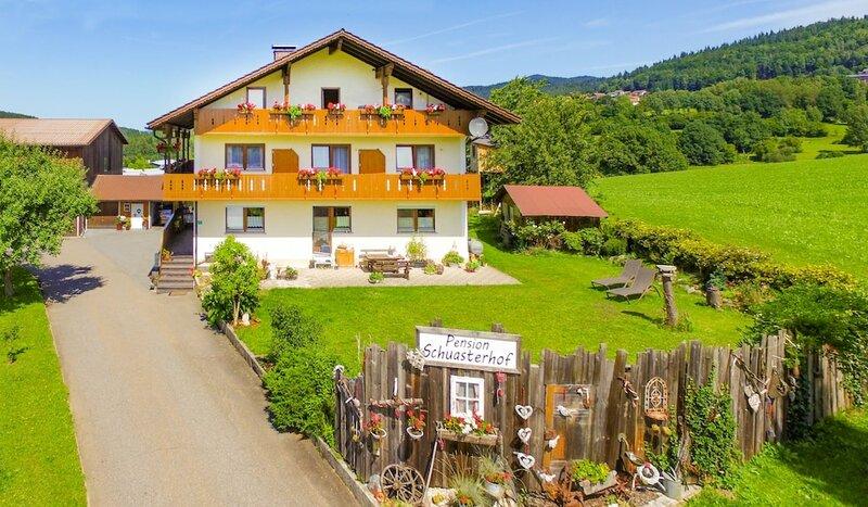Wandern und Wohlfühlpension Schuasterhof