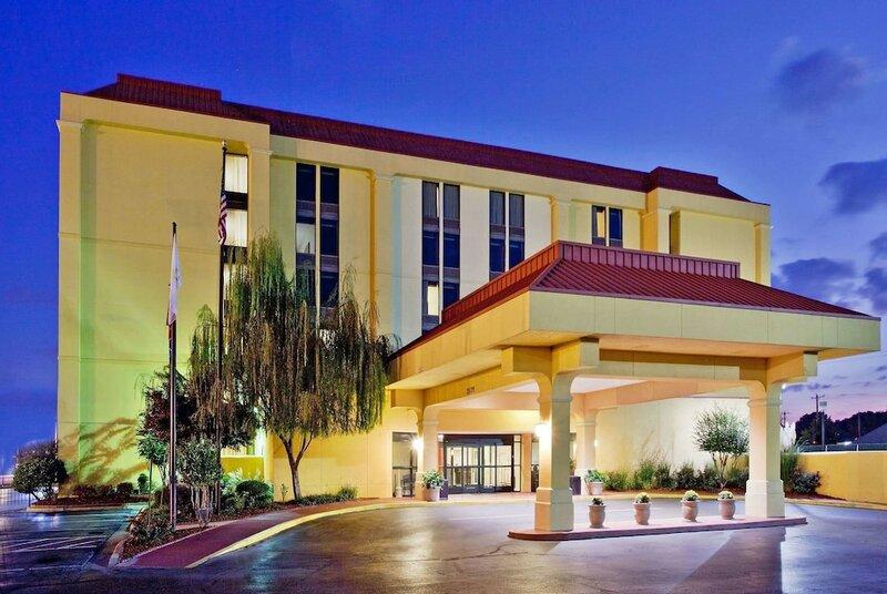 La Quinta Inn & Suites Memphis Airport/Graceland Area