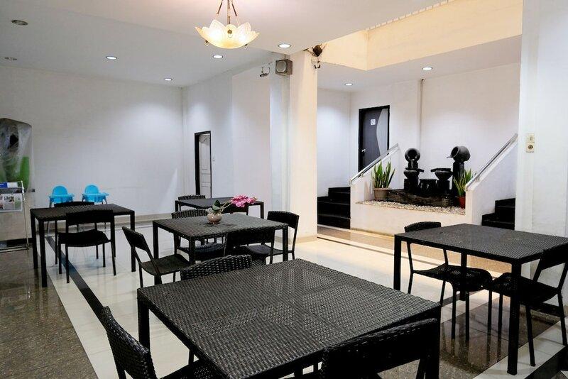 Oyo 844 Surya Hotel