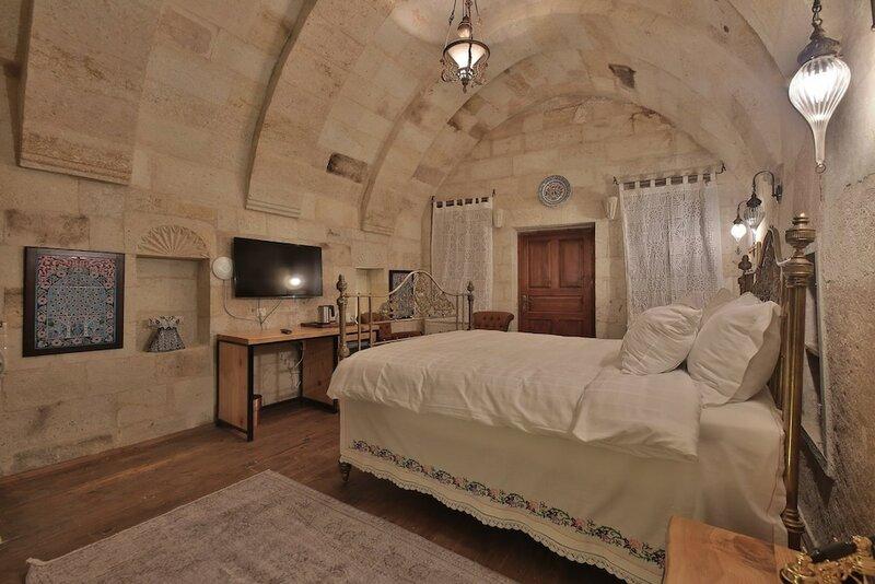 Taru Cave Suites