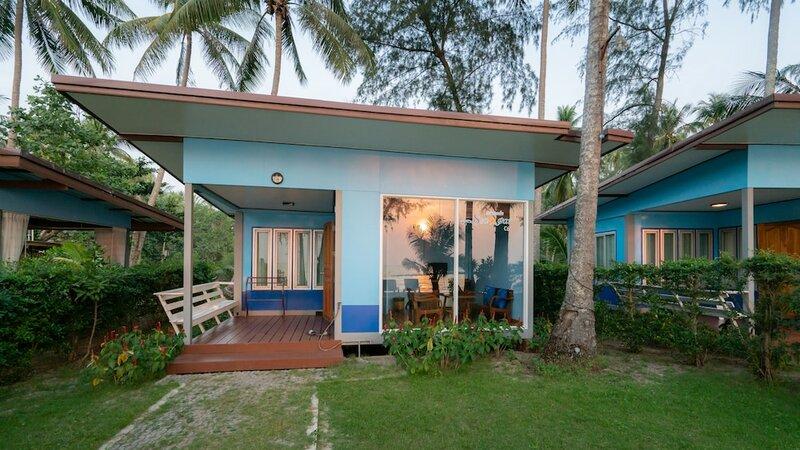 Seafar Resort