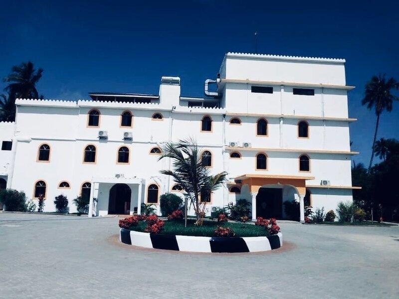 Отель Mandhari Villa Matemwe