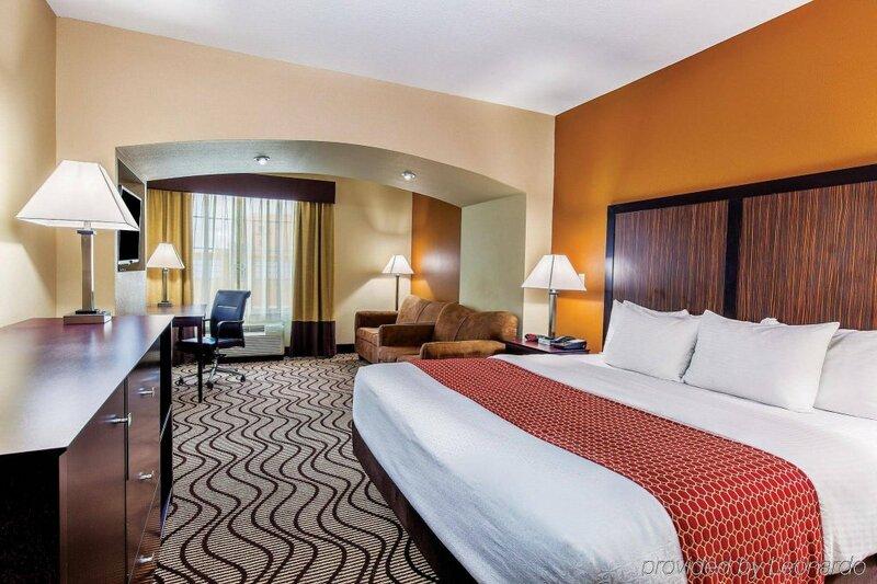 La Quinta Inn & Suites by Wyndham Cotulla