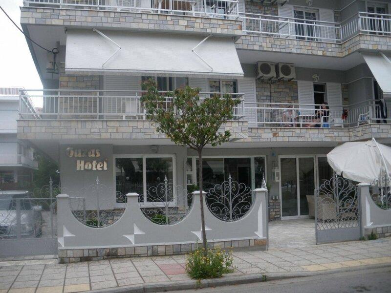 Отель Ouzas luxury