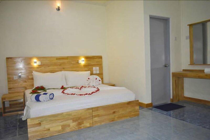 Holiday Inn Veyvah Maldives