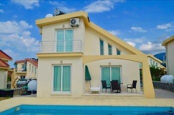 Villa 4 Bedroom sea view 2