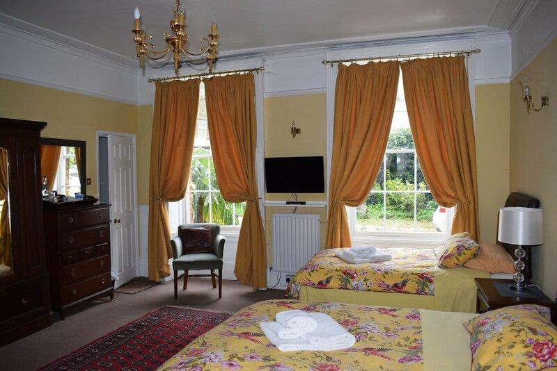 Harmondsworth Hall Guest House Heathrow
