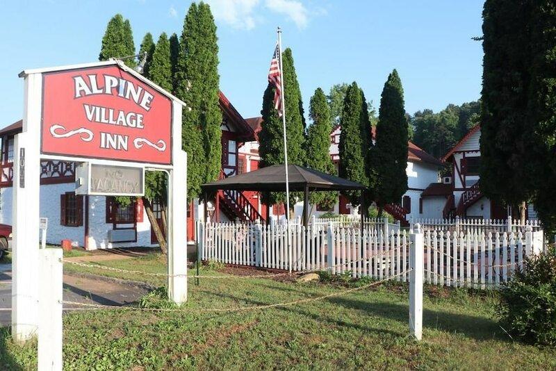 Helen Alpine Village Inn