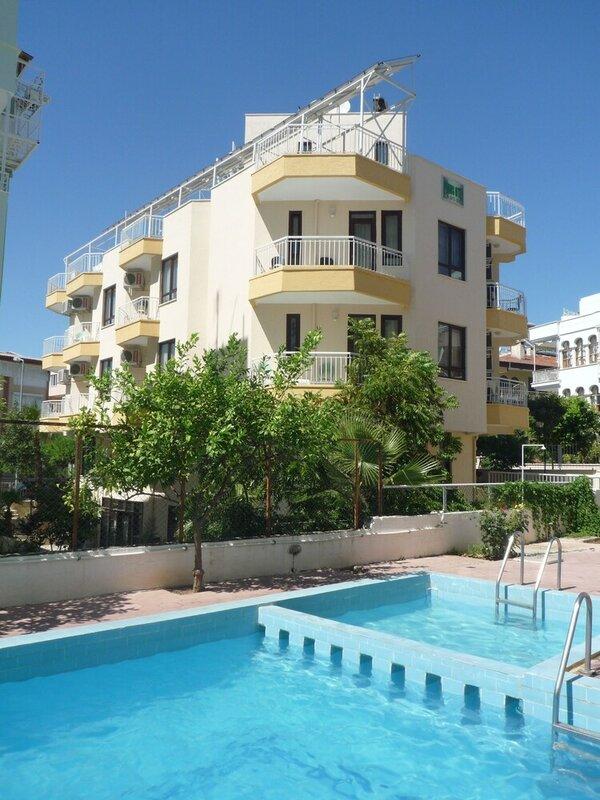 Pinus Apart & Hotel